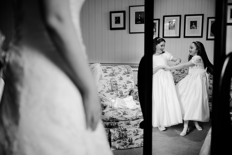 mirror-based-photojournalistic-wedding-photo