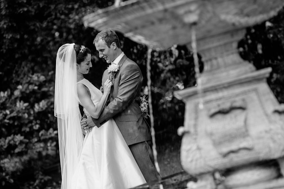 photojournalistic-wedding-photos